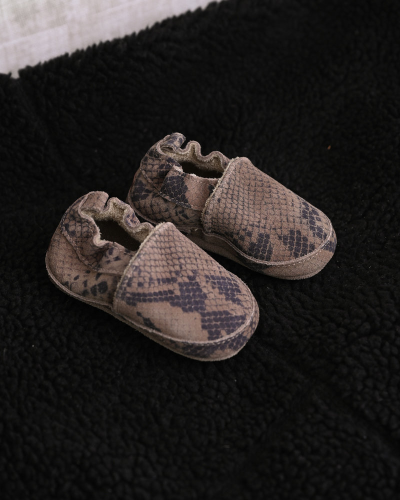 Baby Suede Slipper Snake Taupe