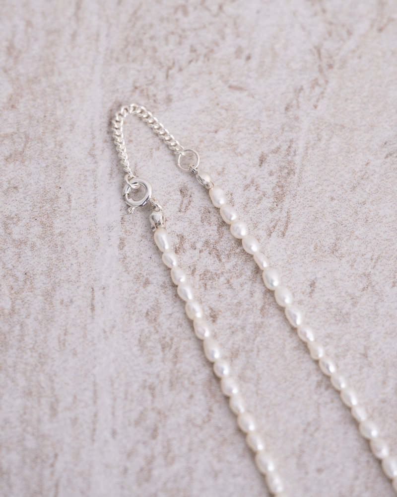 Gemstone Necklace Peaceful Pearl Silver