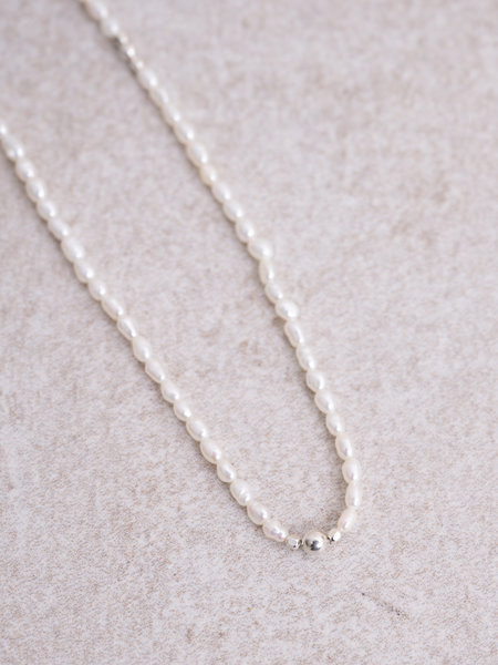 The Two Collectors Gemstone Necklace Peaceful Pearl Silver