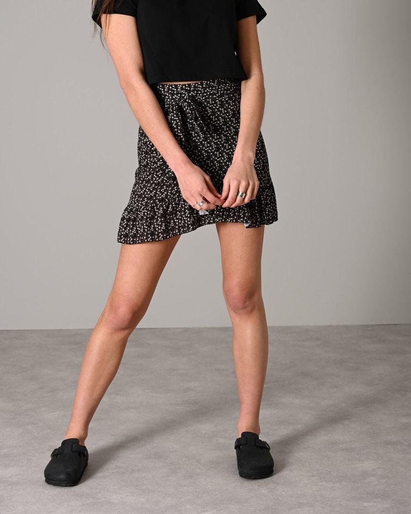 TILTIL Lisa Wrap Skirt Black Flower