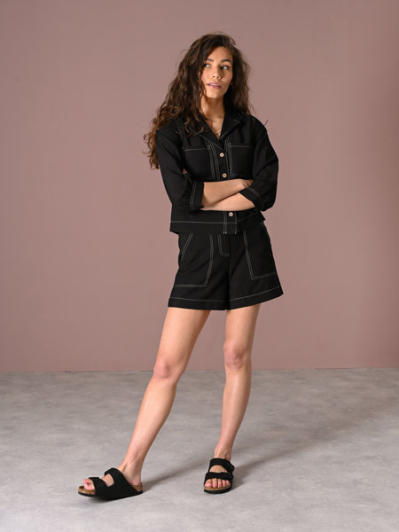 YAS Leno Shorts Black