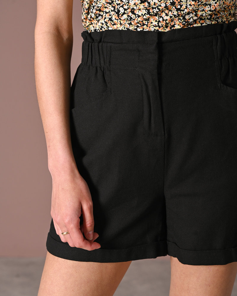 Linny HW Shorts Black