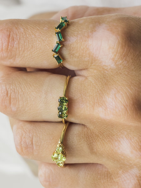 All The Luck In The World Cherie Bar Small Ring Green