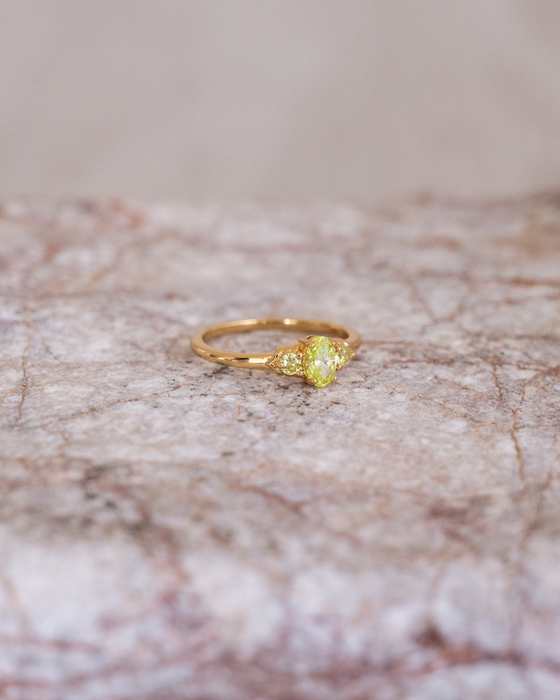 Cherie Oval Small Ring Lime