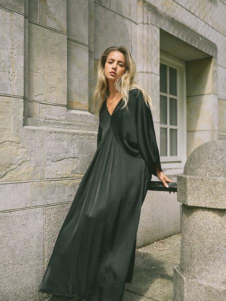 Things I Like Things I Love TILTIL Janne Satin Dress Black