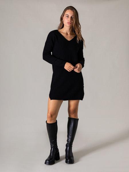 Ella Mode BV V-neck Knit Dress Black