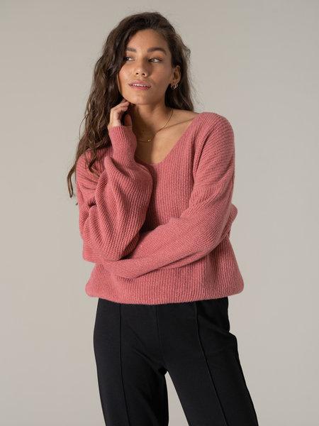 Things I Like Things I Love TILTIL Sofia V-neck Knit Blush