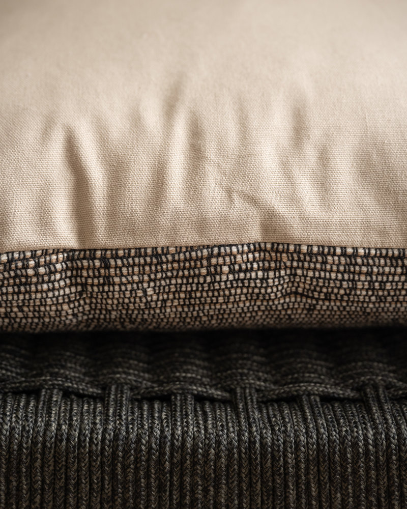 Cushion Ronay Black Sand