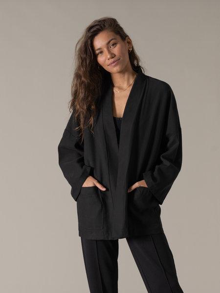 Things I Like Things I Love TILTIL Tencel Kimono Black