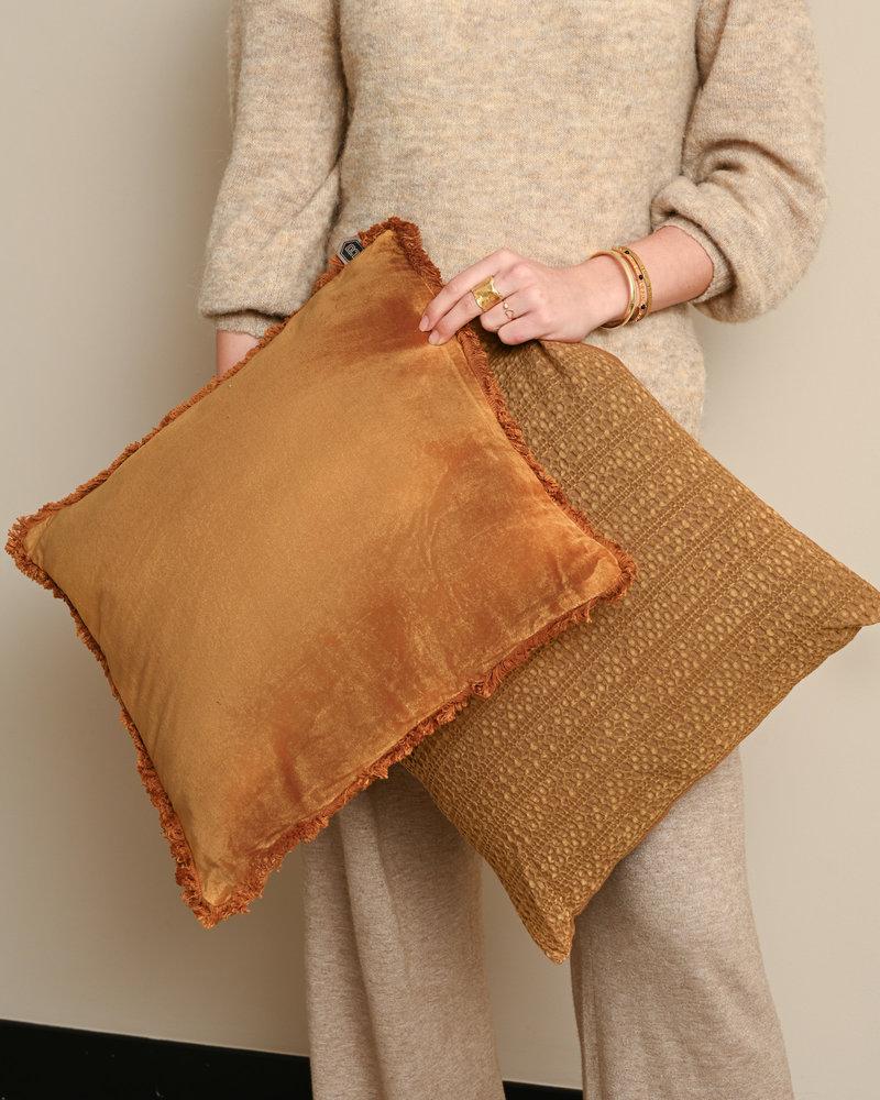 Cushion Bald Velvet Fudge