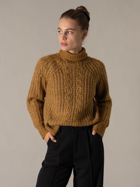YAS Sudana Rollneck Knit Bombay Brown