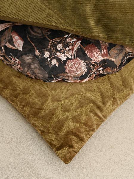 Cushion Pane Velvet Tea Leaves
