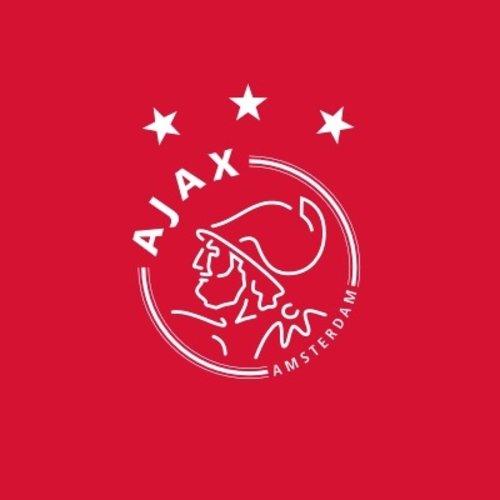 Een groot aanbod voetbalshirts van Ajax Amsterdam