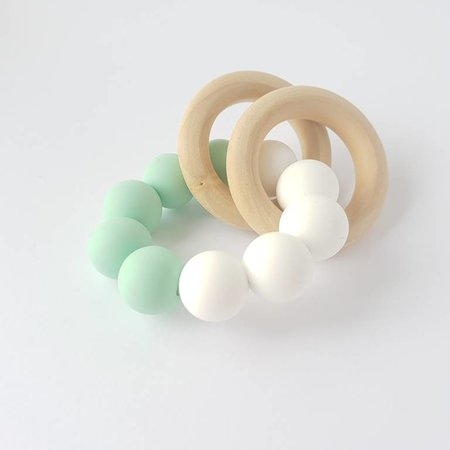 Chewies & more Chewie Basic Rattle Mint -  Wit