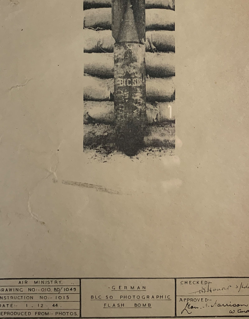 Engelse WO2 confidential poster Flash Bomb
