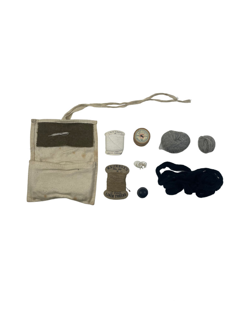 Engelse WO2 housewife sewing set