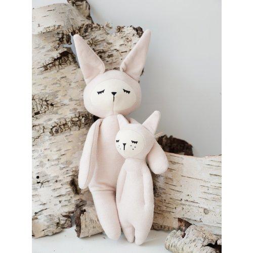Fabelab Zachte knuffel rammelaar | Roze konijn