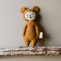Zachte knuffel rammelaar | Oker beer