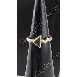 Ring zilver met driekhoek in malachite