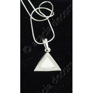 Pendant with chain   nacre