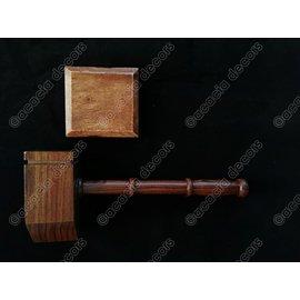Moker hout  met geluidsblok - vierkant