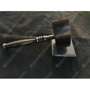Hammer dunkles Holz  mit Unterstützung