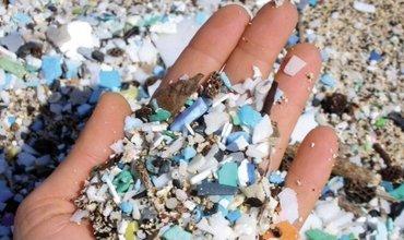 De onzichtbare dreiging: microplastic uit je kleding