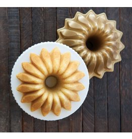 Nordic Ware LOTUS BUNDT PAN