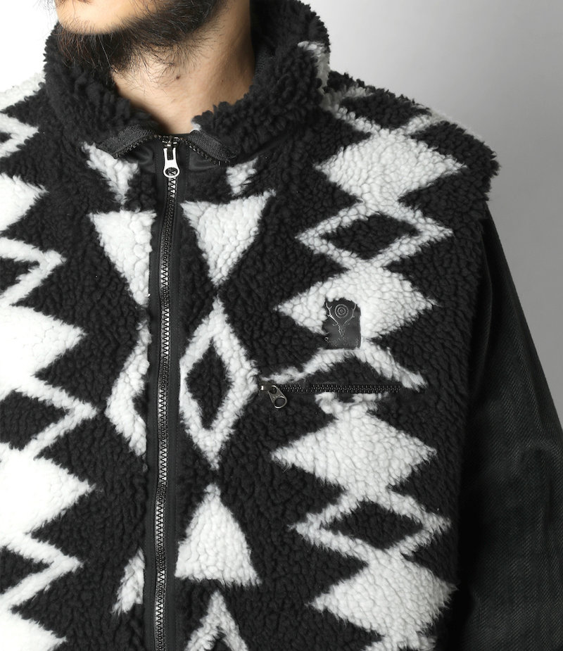 South2 West8 Piping Vest - Poly Jacquard Pile / S2W8 Native Pattern - Black/White