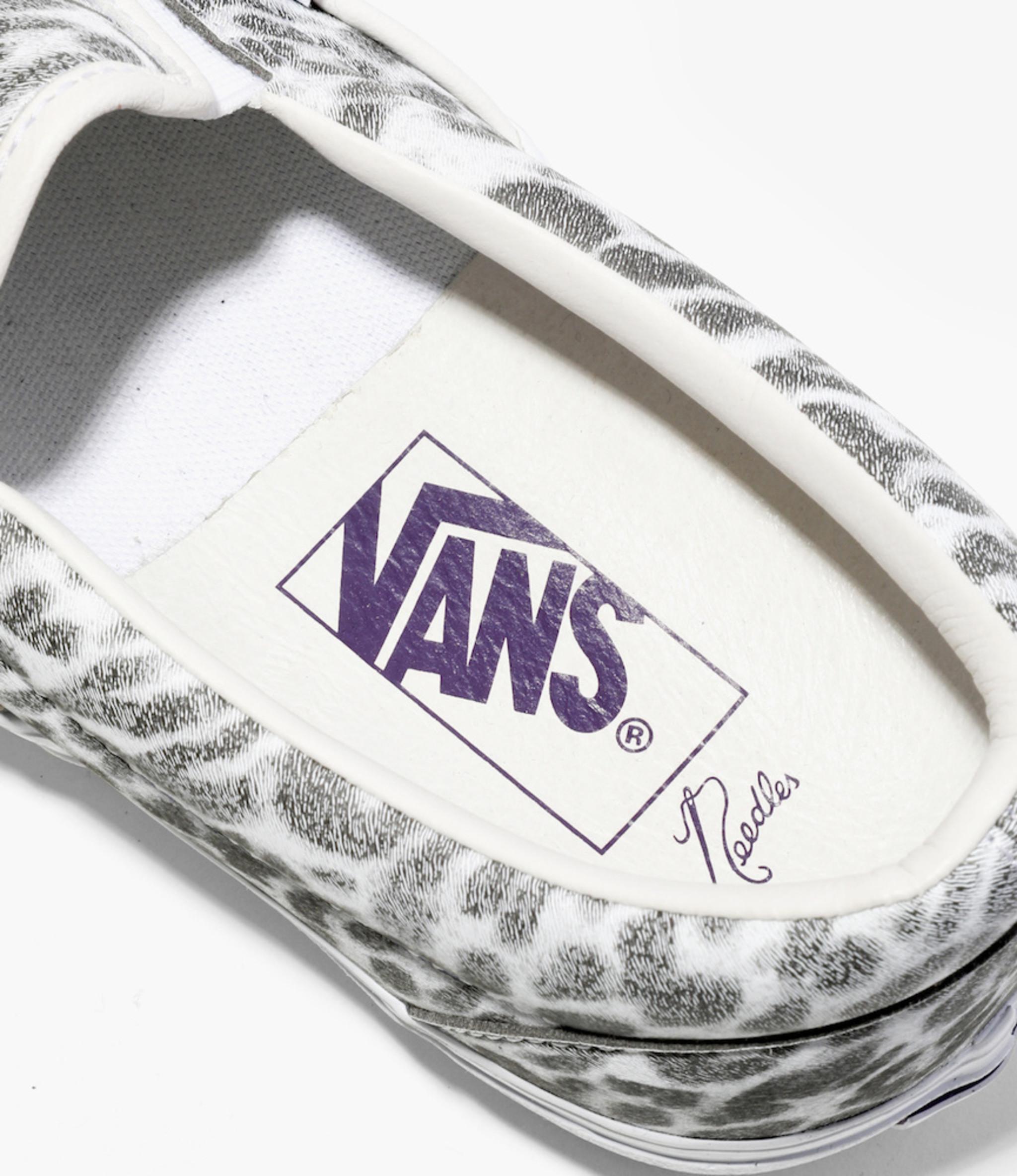 Needles Vans x Needles >  Classic Slip-On VLT - White