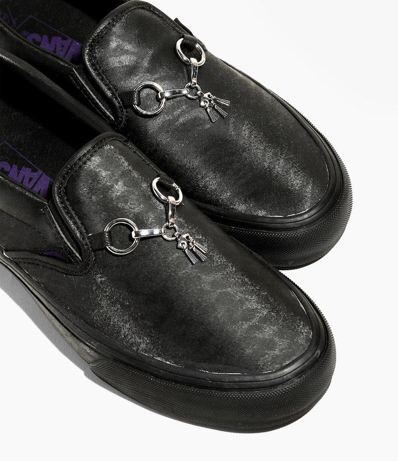 Needles Vans x Needles >  Classic Slip-On VLT - Black