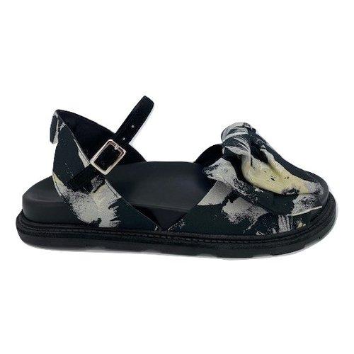 Vic Matie Vic Matie 1X8400D.X38X310101 sandalo bloem
