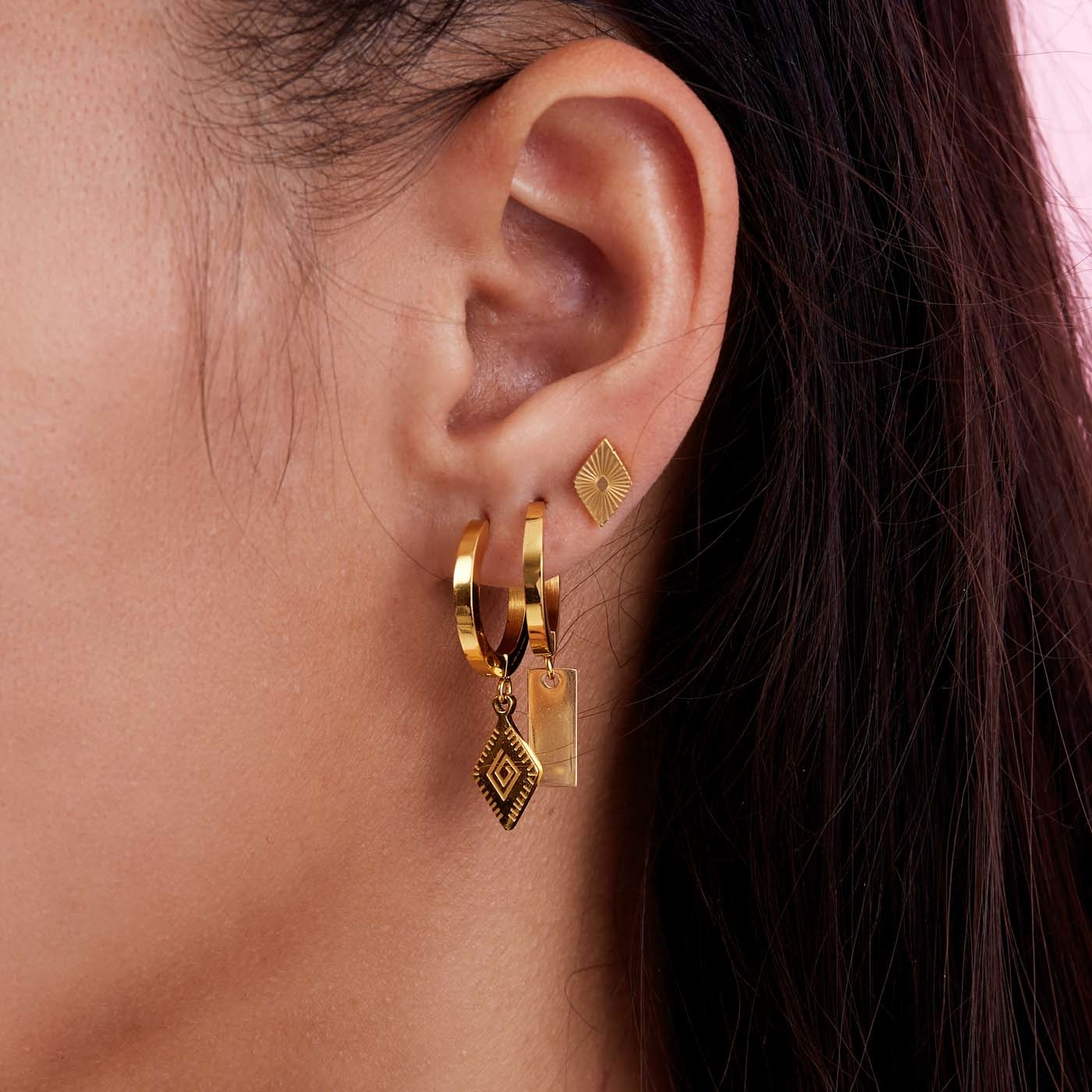 May Sparkle Beach Girl Jess gold colored hoop earrings