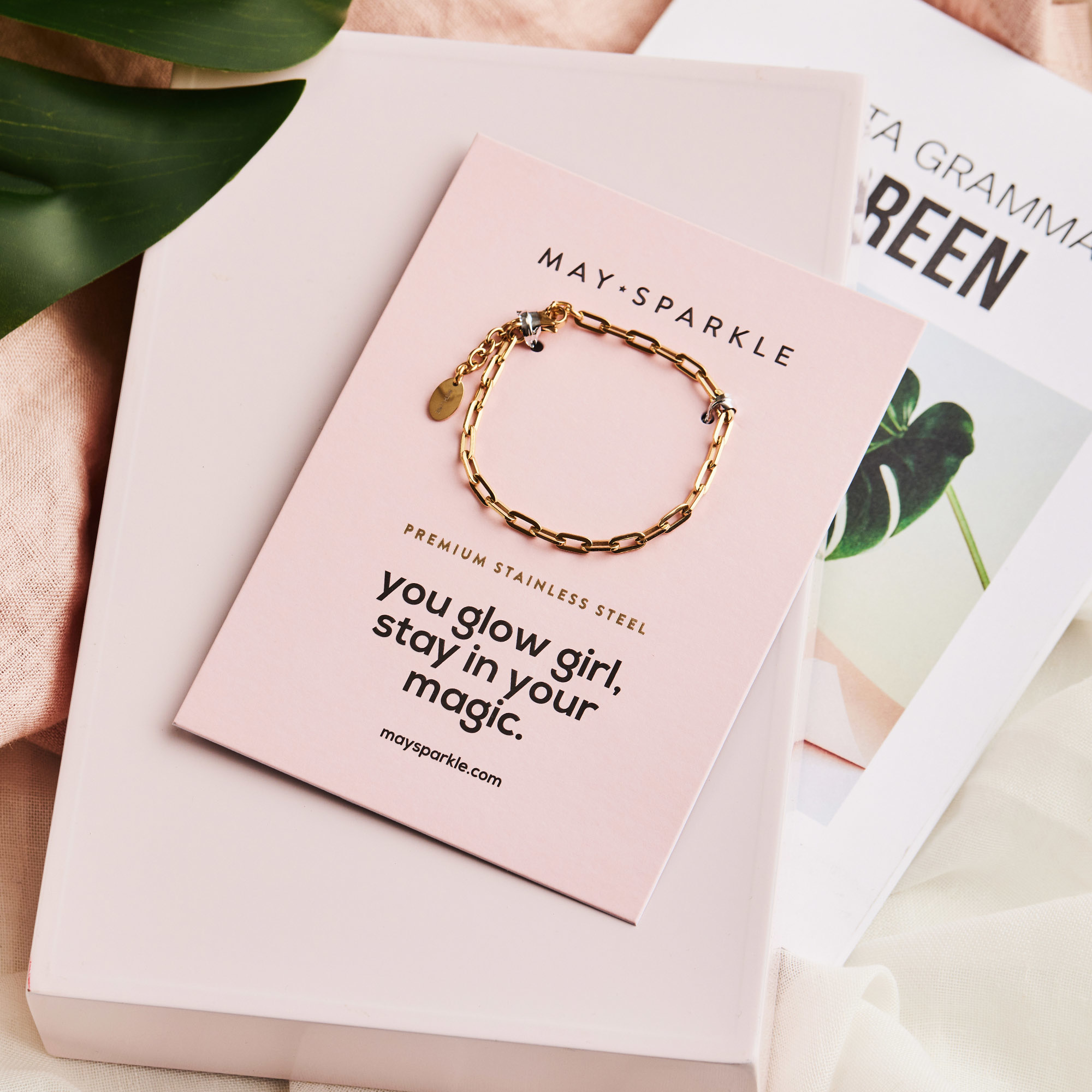 May Sparkle Happiness Amber goudkleurige armband