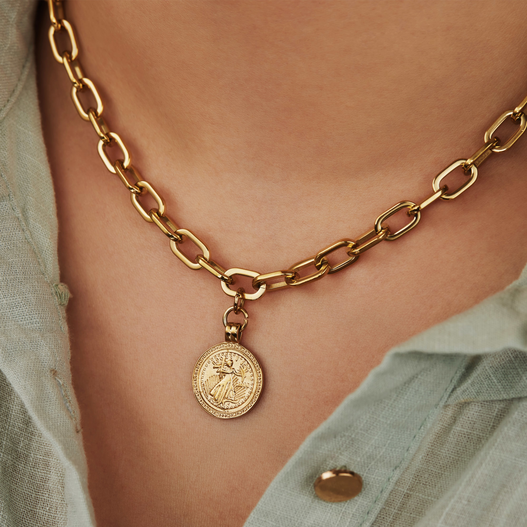May Sparkle Beach Girl Amber gold colored necklace