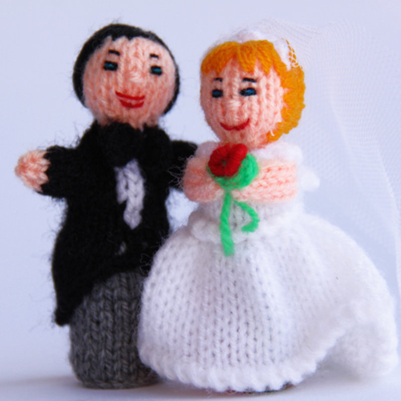 Vingerpoppen bruid en bruidegom