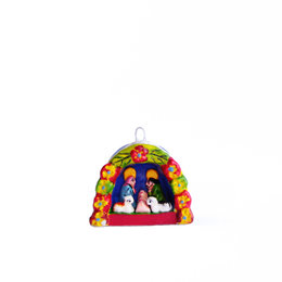 Nativity scene in arch of flowers, mini