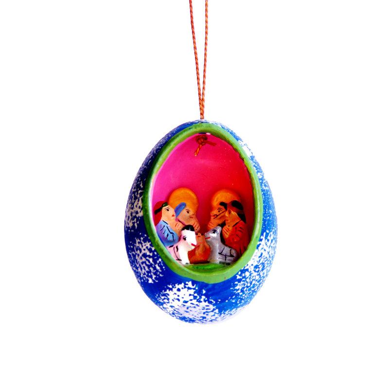 Nativity scene in egg, hanger