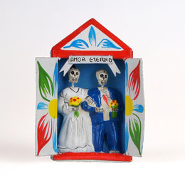 Bridal couple skeletons in matchbox