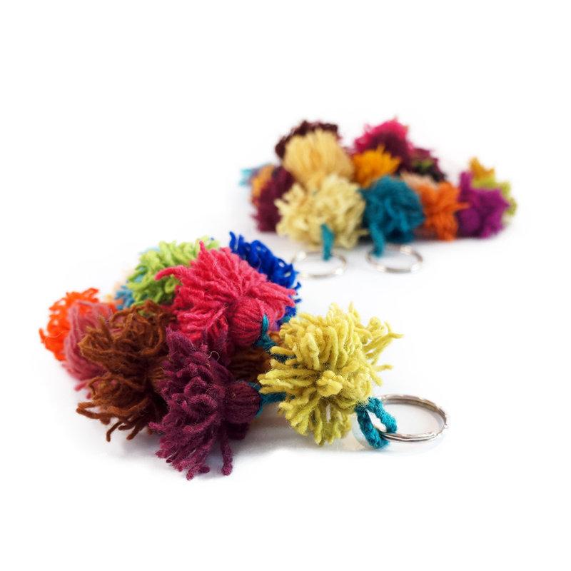 Wollen sleutelhanger met pompons
