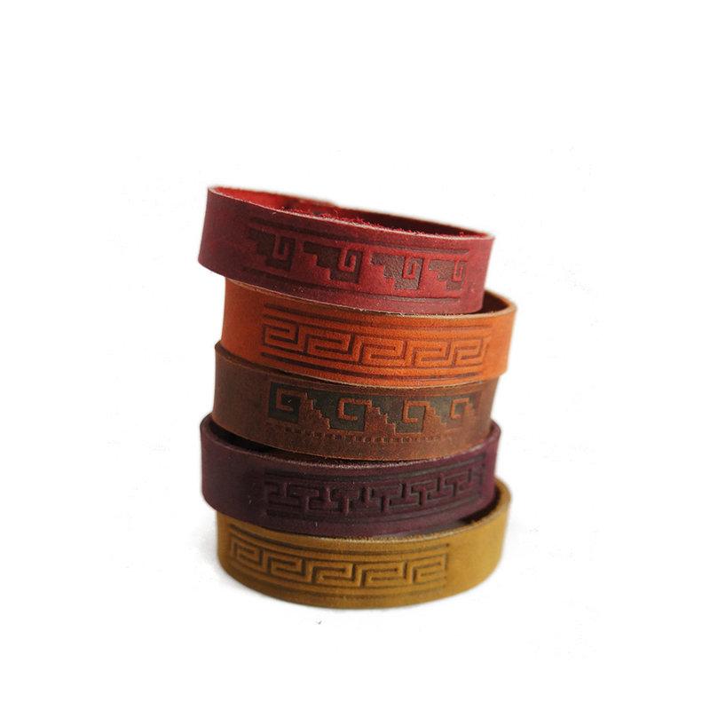 Armband leer, Inca-motief