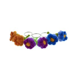 Key hanger with 2 flower buds, 100% sheep wool