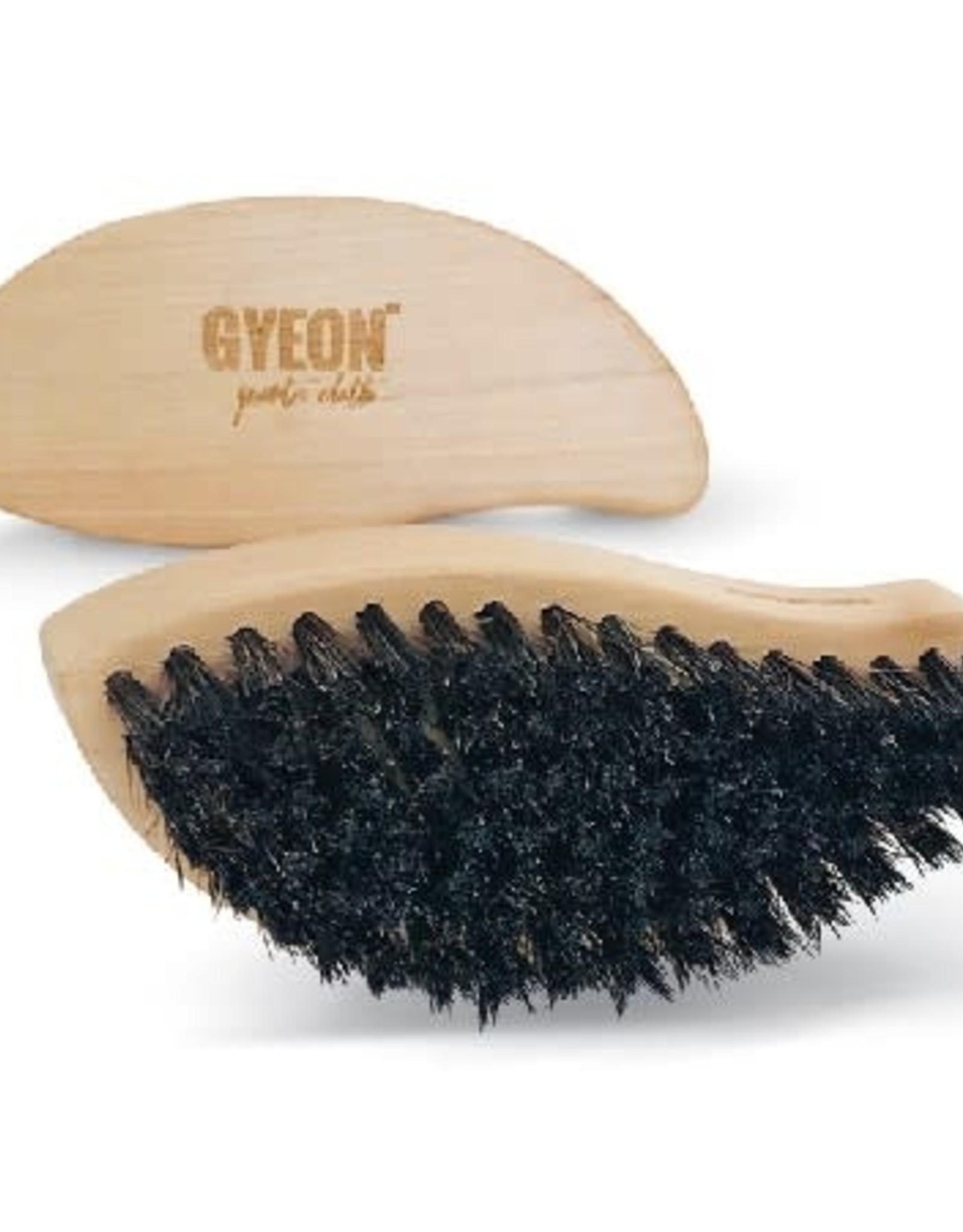 Gyeon Q²M Leather Brush