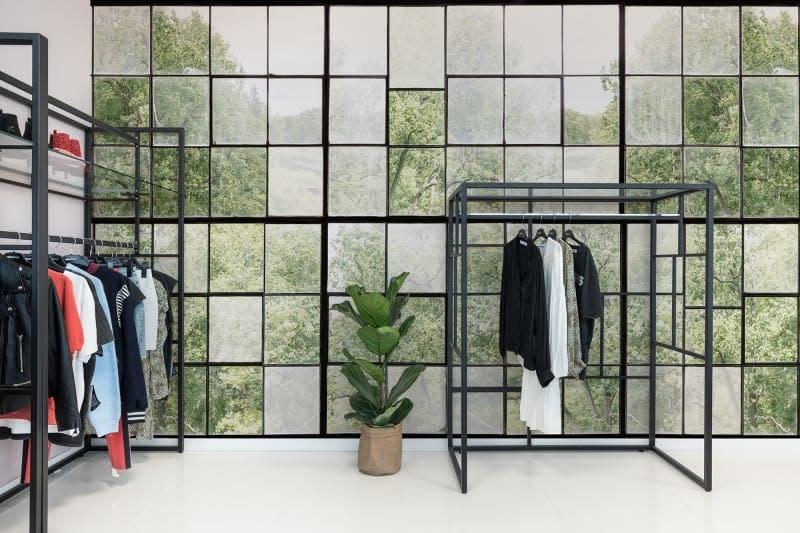 Behang Factory Window-2