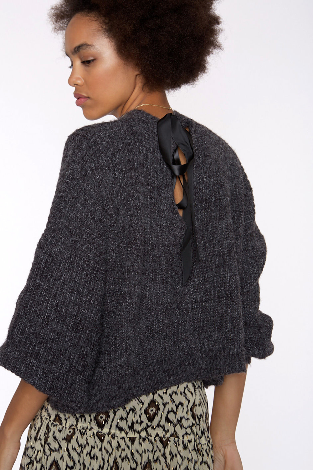 Trui Soft knit sweater with tie behind-3
