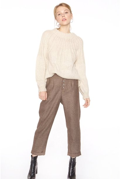 Broek with nacre buttons