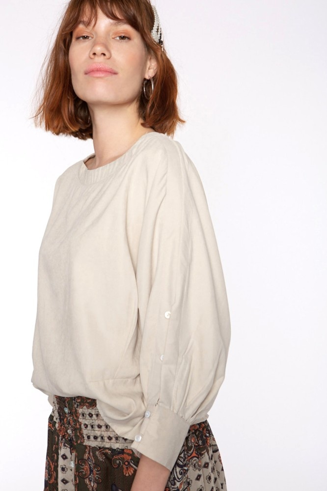Blouse with buttons in sleeve-1