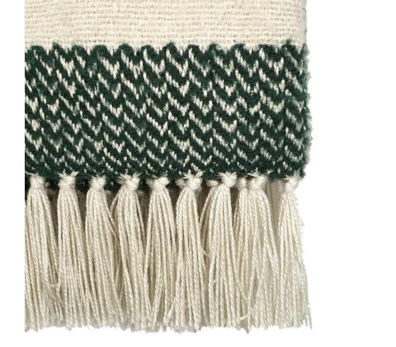 Woondeken Berber grainy green throw-2