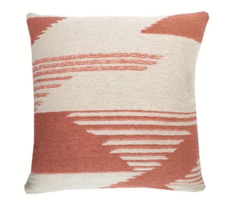 Kussen Nomad mahogany pink cushion-1