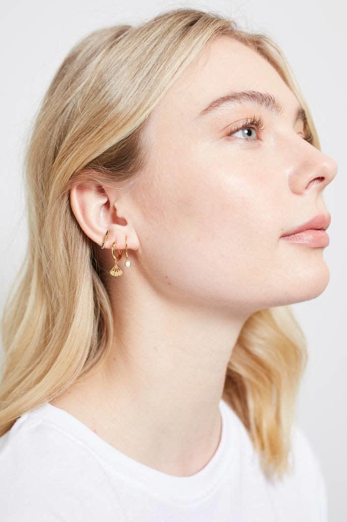 Oorring Hook White opal Gold-2